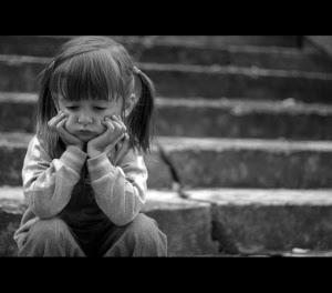 Deus-cada-dia-que-passa-eu-me-sinto-tao-triste-e-derrotada