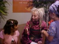 camarin xuxa-recife show xspb 4-10-2003- 3